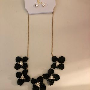Necklace and earring set, brand new never worn!